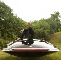 Ora Ito et son véhicule pour Citroën